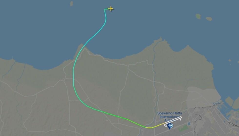 MISTET KONTAKTEN: Kontakten skal ha blitt brutt med flightnummer SJY 182 bare fire minutter etter avgang. Foto: Flightradar24