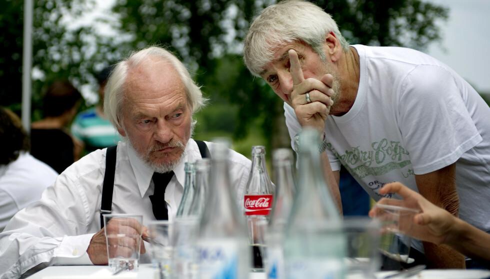 SUKSESS: Tord Peterson og Colin Nutley under innspillingen av den tredje «Änglagård»-filmen i 2010. Foto: Adam Ihse / NTB