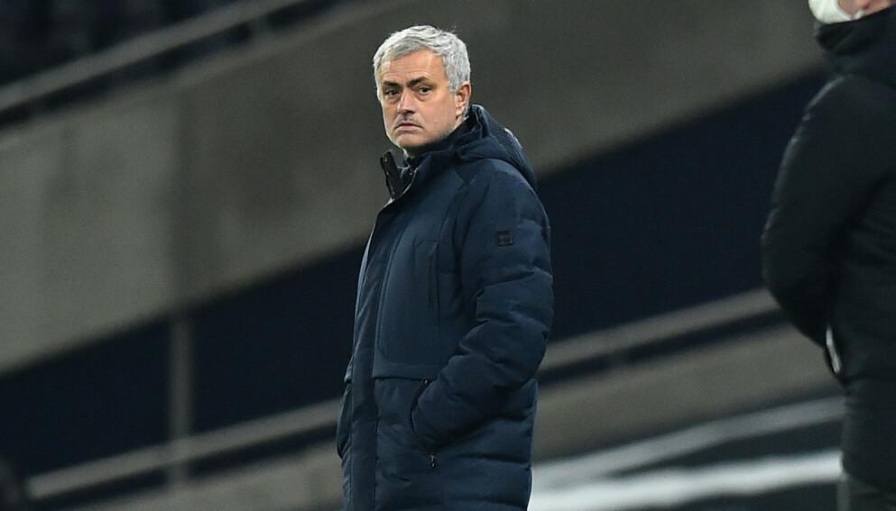 SKUFFET: Jose Mourinho var skuffet etter poengdeling mot Fulham onsdag kveld. Foto: Glyn KIRK / POOL / AFP