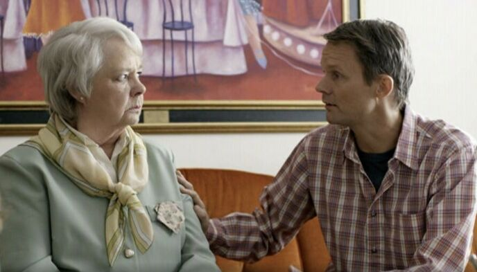 2013: Malm spilte Alex' mor i «Solsidan». I 2013 ga hun seg som skuespiller. Foto: TV4