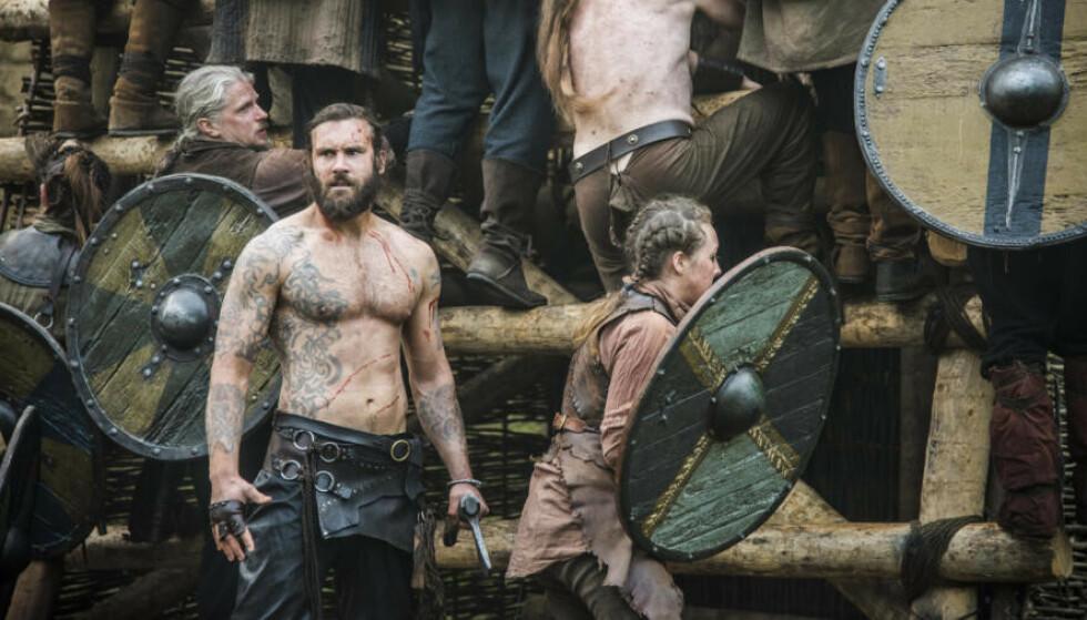 STORDRAMA: History-serien Vikings er en av seriene som er tilgjengelig på Amazon Prime. Her ser man skuespiller Clive Standen som Rollo i sesong 3. Foto: History