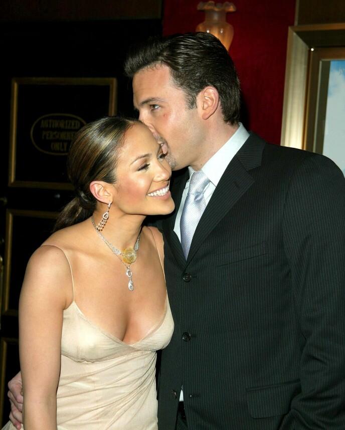 BRØT FORLOVELSEN: Jennifer Lopez og Ben Affleck skulle opprinnelig gifte seg i 2003, men dette ble aldri noe av. Her i 2002 Foto: Matt Baron / REX / NTB