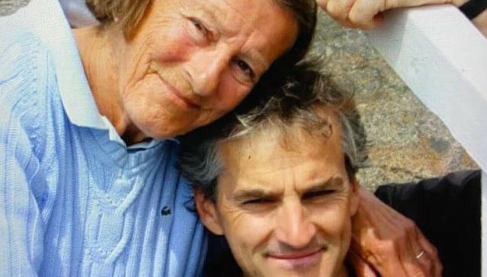 MISTET MOREN: I et Facebook-innlegg skriver Jonas Gahr Støre at det har vært en spesiell uke for ham. Foto: Privat