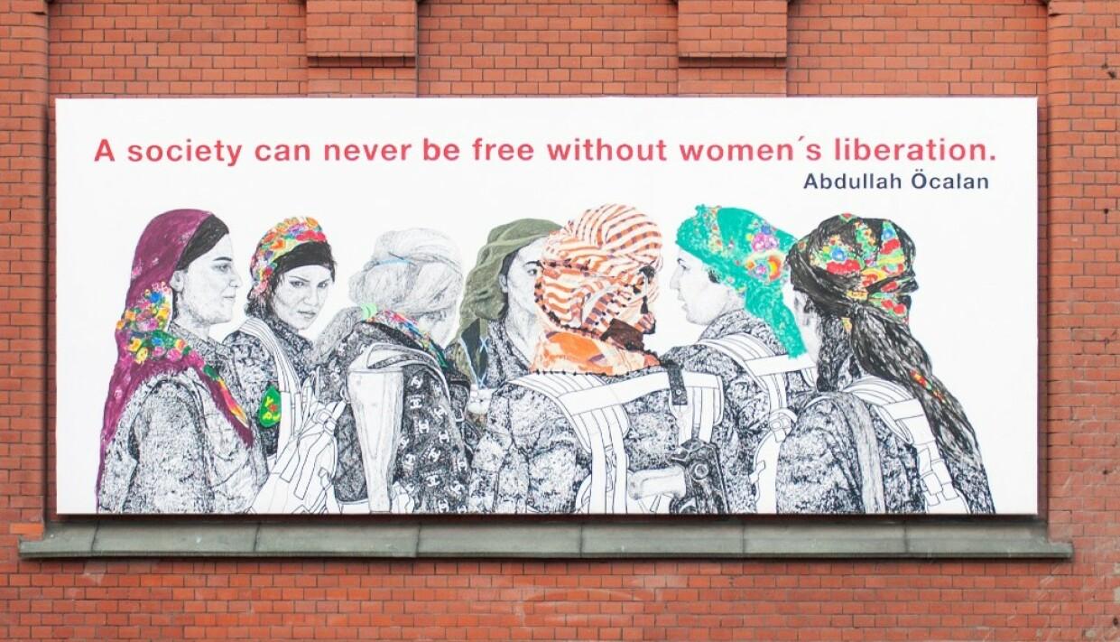 PROVOSERER: Det er ikke maleriet i seg selv som provoserer norsk-tyrkere, men sitatet av Abdullah Öcalan. Foto: Mesén.