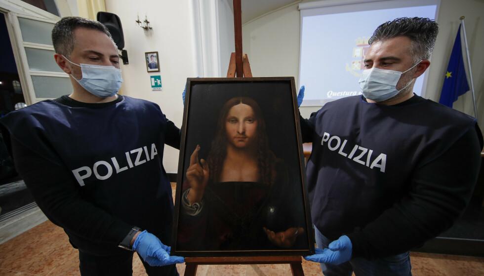FUNNET, MEN IKKE SAVNET: En fem hundre år gammel kopi av Da Vinci-verket «Salvator Mundi» ble funnet i en italiensk leilighet på lørdag. Museet var ikke klar over at det var borte. Foto: NTB.