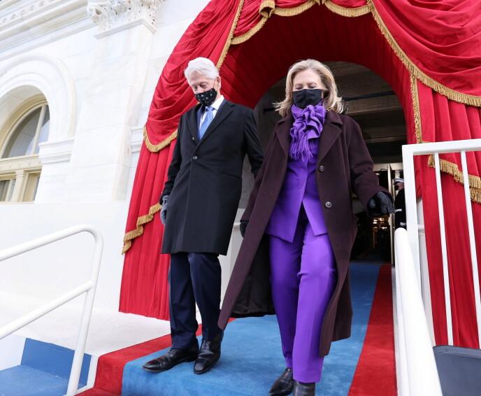 SAMME FARGE: Hillary Clinton hadde valgt ut samme farge som Kamala Harris når det kommer til antrekket sitt. Foto: Jonathan Ernst / NTB