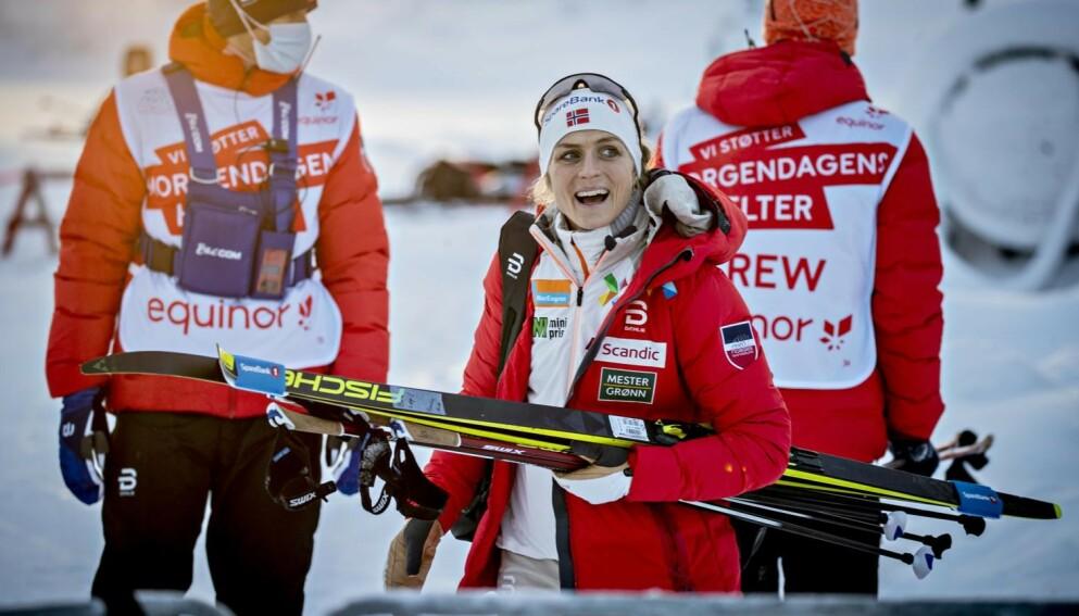 UTEN TILSKUERE: Therese Johaug og de andre stjernene må klare seg uten heia-rop i VM. Foto: Bjørn Langsem