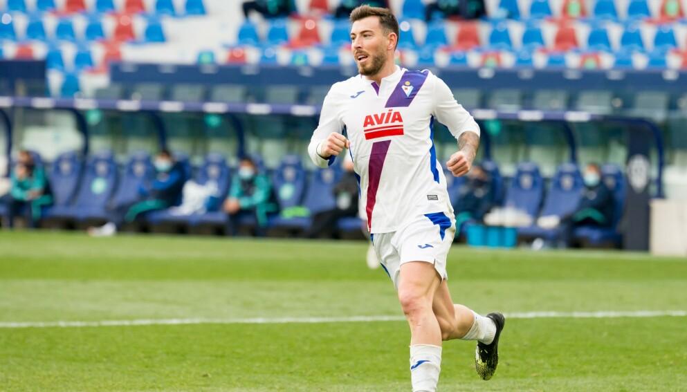 DØMT: Sergi Enrich i aksjon på banen for Eibar denne sesongen. Foto: NTB