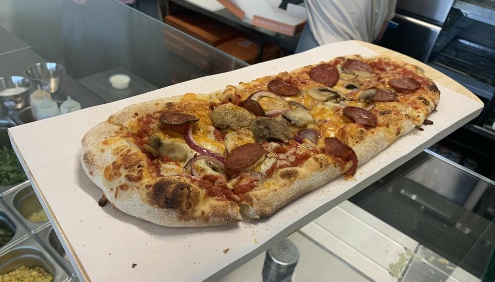 DIGG: Italiensk pizzabunn, men ny form fra gründerfrabrikken Askeladdens nye pizzasted Digg. Foto: Elisabeth Dalseg