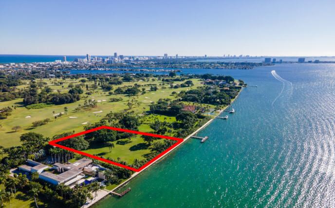 EKSLUSIVT OMRÅDE: Ivanka Trump og Jared Kushner kjøpte like før jul en eiendom for 30 millioner dollar i et av de mest eksklusive områdene i Miami. Foto: Splash News / NTB