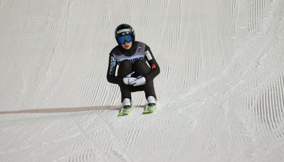 VANSKELIG: Maren Lundby har fått en trøblete start på sesongen. Her fra Granåsen på tirsdag. Foto: Geir Olsen / NTB