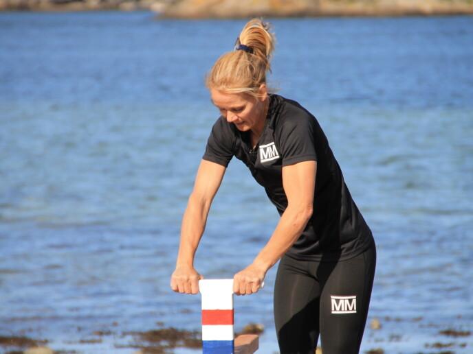 TØFT: Fredagens første øvelse endte med vondt kne og astmaanfall for Linda Medalen. Foto: NRK