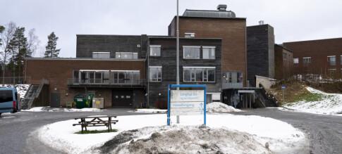 NÅ: To døde - stenger ned hele kommunen