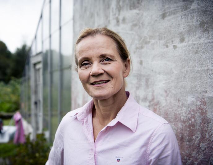 POLITI: Linda Medalen har lagt fotballskoene på hylla, og arbeider i dag i hundepatruljen i politiet. Foto: Lars Eivind Bones / Dagbladet