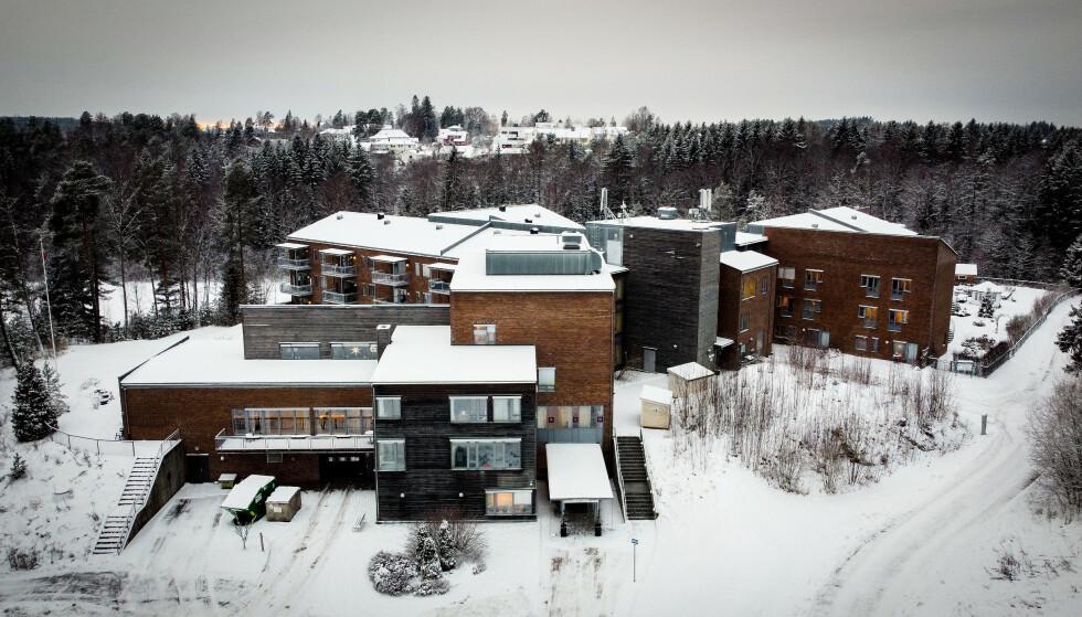 EPISENTER: Langhus bo- og servicesenter er episenteret for utbruddet som nå har sendt 25 kommuner i nedstenging. Foto: Bjørn Langsem / Dagbladet