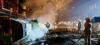 Coronaprotester i Nederland - kaster fyrverkeri