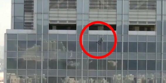 Image: Henger i lufta i ti timer