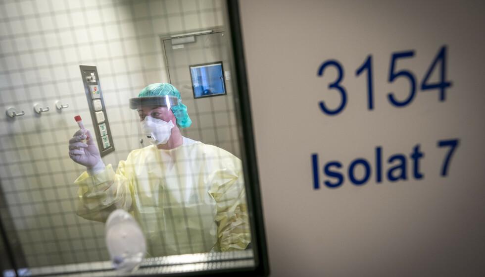 VIL HINDRE SMITTESPREDNING: Nok en gang er det i Norge satt inn strenge tiltak for å få kontroll på coronasituasjonen. Foto: Heiko Junge/NTB