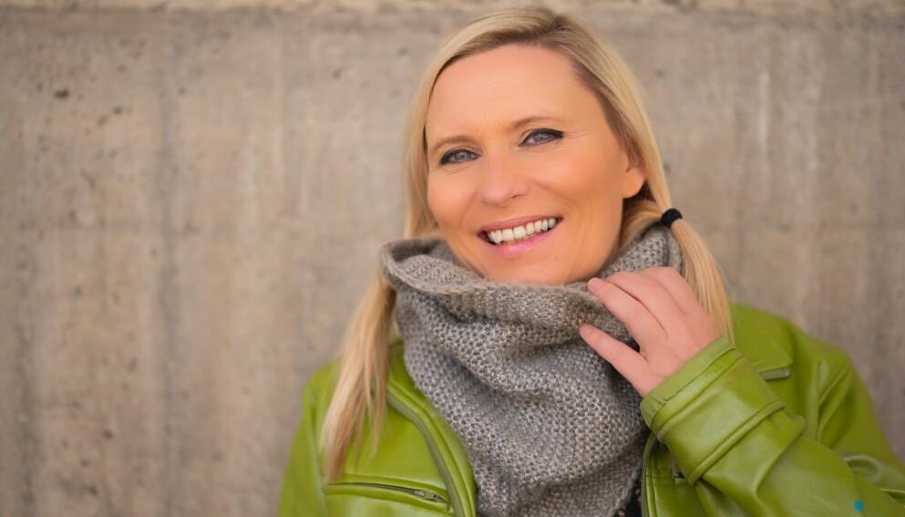 I PLUSS PÅ KRYPTO: Line Rødli Kristiansen (48) investerte i kryptovaluta for første gang i 2017. Siden har hun opplevd store verdiøkninger på investeringen. Dette er hennes tips til deg som vil kjøpe Bitcoin eller annen kryptovaluta. Foto: Privat