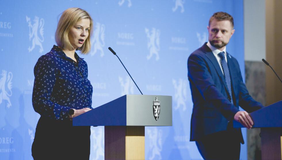 TILTAK: Kunnskapsminister Guri Melby håper på lettelser for skoler i 25 kommuner. Foto: Stian Lysberg Solum / NTB