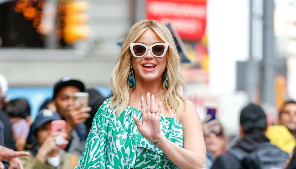 ÅPENHJERTIG: Superstjerna Katy Perry forteller om livet som småbarnsmor i en livesending på Instagram. Foto: Splash News / NTB