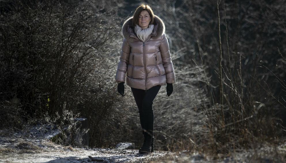 LANGTIDSOVERLEVER: Kari Grønås har hatt lungekreft med spredning i nesten 10 år. De siste fem åra har hun fått målrettet behandling, ut fra mutasjonene i kreftsvulsten. Foto: Bjørn Langsem / Dagbladet