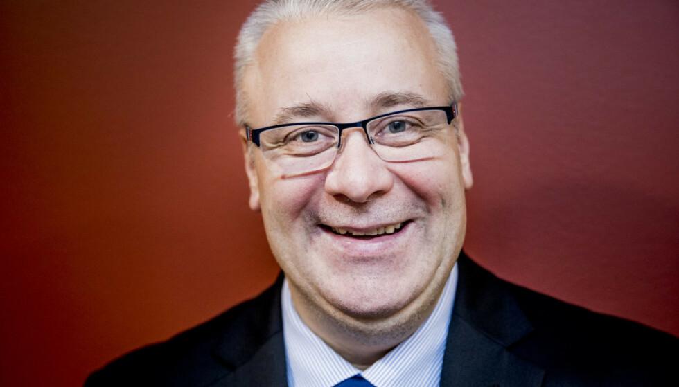 SKAL PRØVES: Bård Hoksrud (FrP) hilser Postens nye tjeneste velkommen, så lenge de ikke presser ut private aktører. Foto: Dagbladet