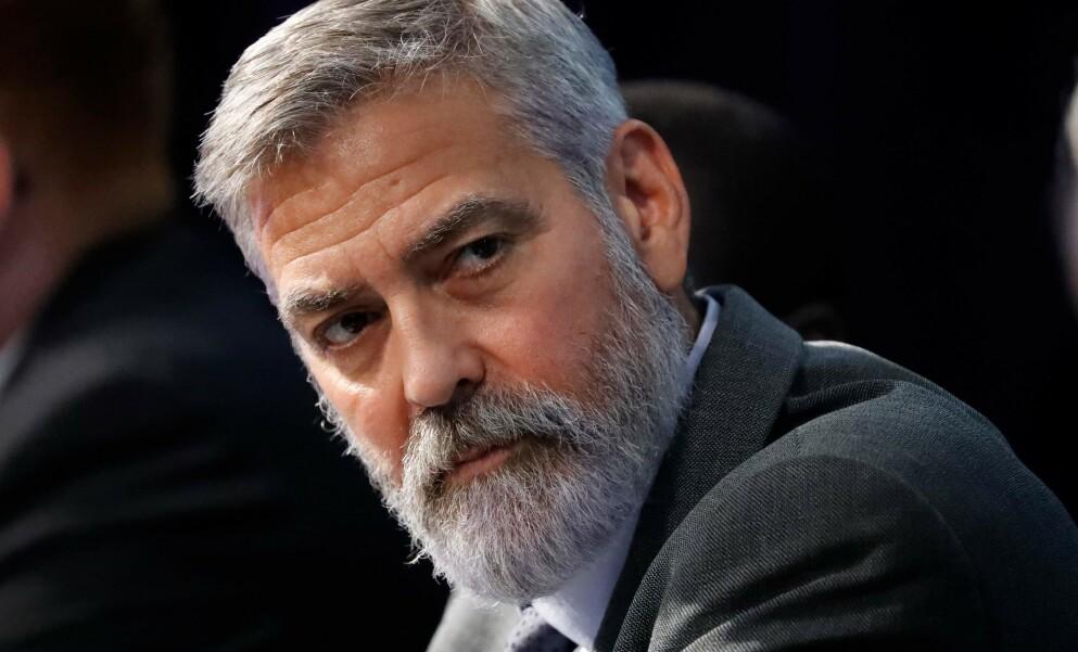 RASER: Skuespiller George Clooney er ikke fornøyd over at folk var mer opptatt av å ta bilder av ham enn å hjelpe da han frontkolliderte på motorsykkel i 2018. Foto Tolga Akmen / AFP / NTB