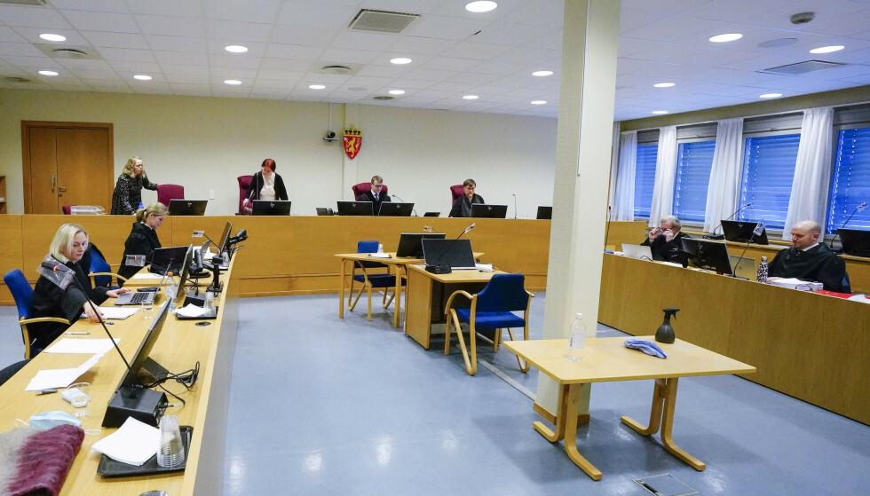 RETTEN: Den omfattende rettssaken mot den tidligere toppidrettsmannen foregår i sal 103 i Nedre Romerike tingrett. Foto: Lise Åserud / NTB