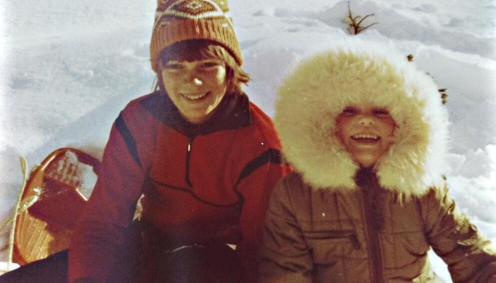 STOREBROR: Kristian var ti år eldre enn lillesøsteren sin. Ingvill Solberg husker en bror som lot henne være med på det meste. Foto: Privat