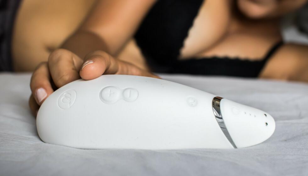 ORGASME-GAVE: - Ingen gave er bedre enn en orgasme, sier Maria K. Ebbestad, sexologstudent og presseansvarlig i Nytelse.no. Foto: Produsenten