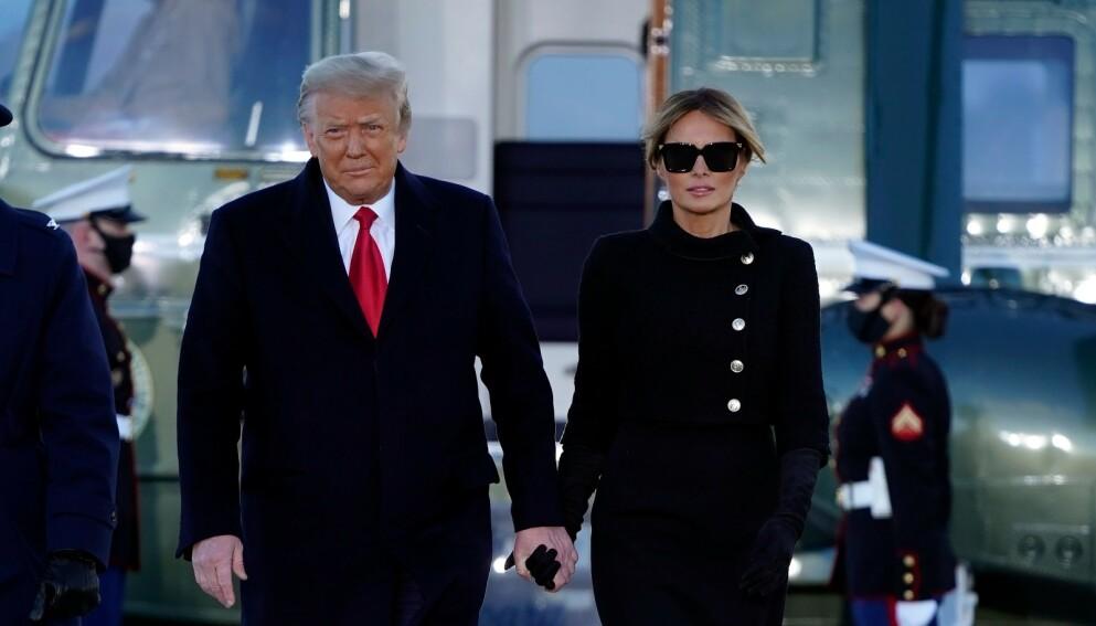 20. JANUAR: Her har avtroppende president Donald Trump og førstedame Melania Trump nettopp landet på en militærbase i Maryland, et stopp på veien til Florida og Mar-a-Lago. Foto: ALEX EDELMAN / AFP / NTB