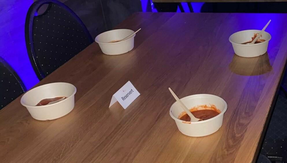 SKJENKESUPPE: Fresh bar og restaurant i Hammerfest har kjøkken og stor meny, men har lagt til én spesiell rett for også å kunne servere gjestene alkohol: Tomatsuppe til 50 øre. Foto: Privat / Fresh bar og restaurant