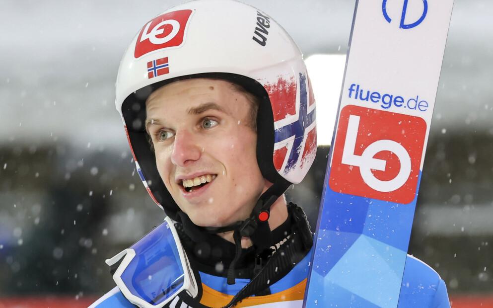 SUVEREN: Halvor Egner Granerud har ennå ikke fått 20 i stil denne sesongen. Foto: NTB