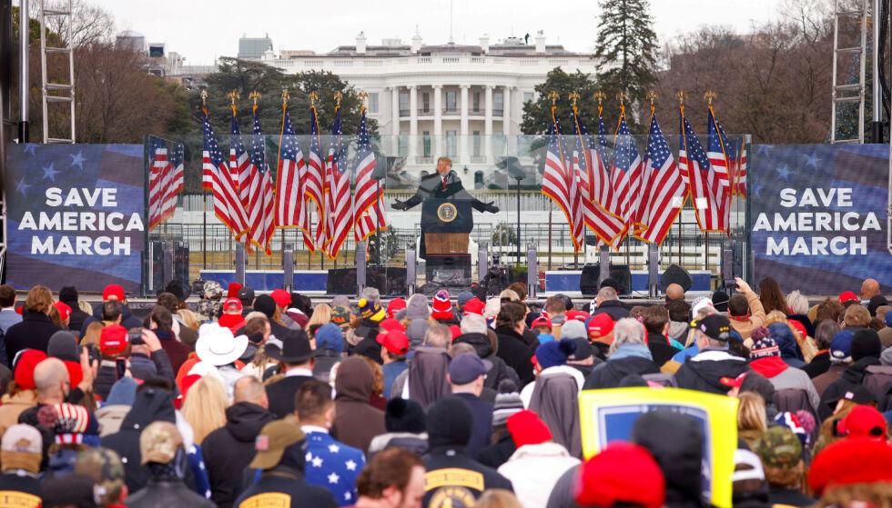 SKJEBNEN AVGJØRES: Riksrettssaken mot Trump er historisk - uansett utfall. Han er den første amerikanske presidenten til å bli stilt for riksrett to ganger. Foto: Jim Bourg / Reuters / NTB