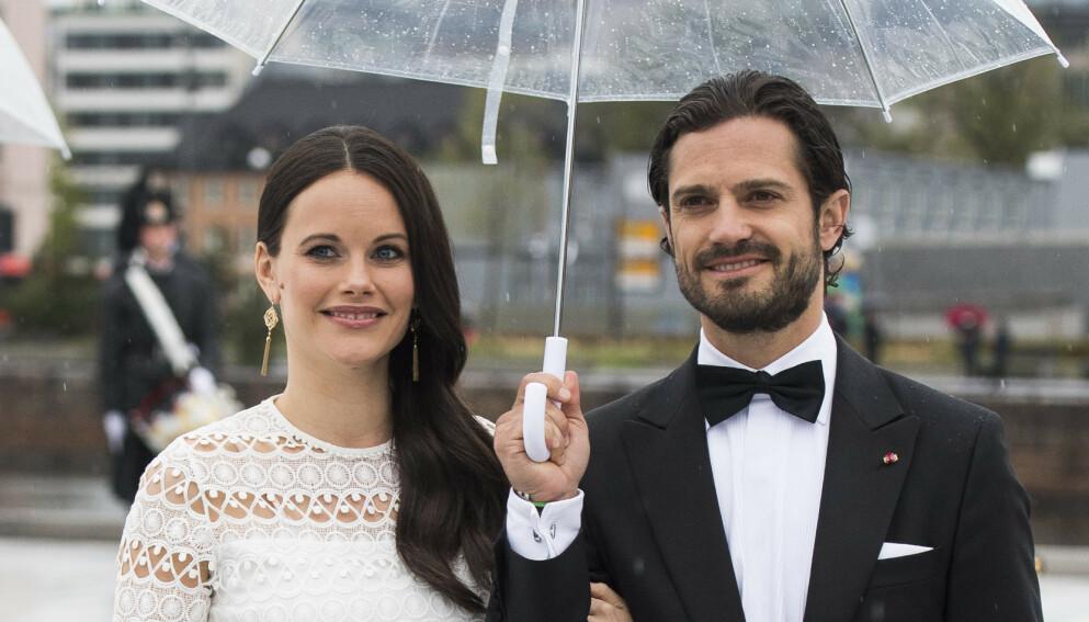 FRASTJÅLET IDENTITET: Prins Carl Philips identitet har blitt frastjålet. Her med kona prinsesse Sofia. Foto: Jon Olav Nesvold / NTB