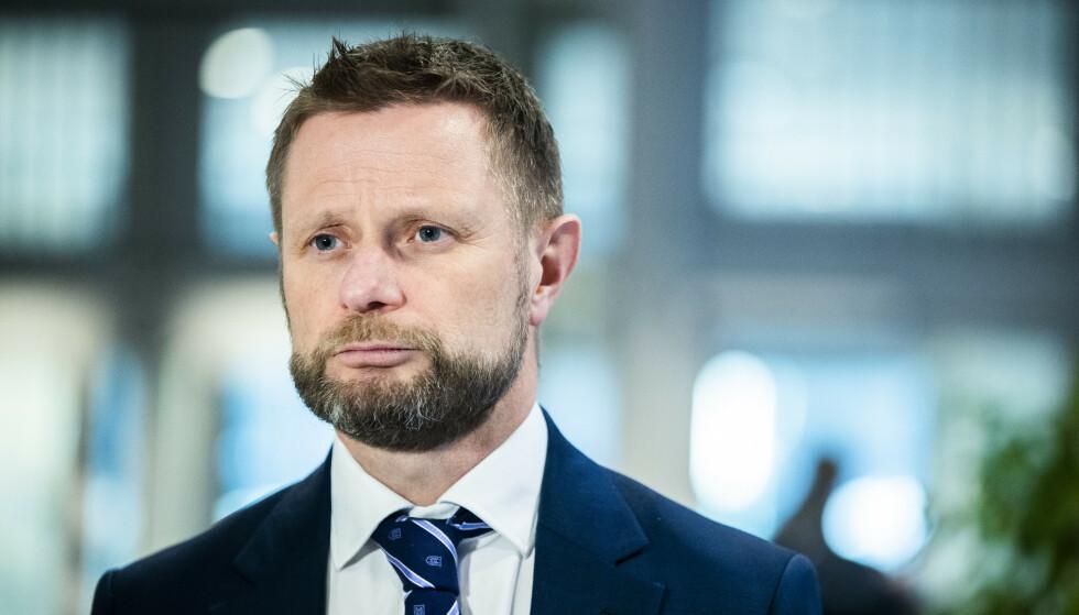 ET RUNGENDE NEI: Helse- og omsorgsminister Bent Høie sier det kan bli vanskelig å komme hjem, dersom man reiser til utlandet i vinterferien. Foto: Berit Roald / NTB
