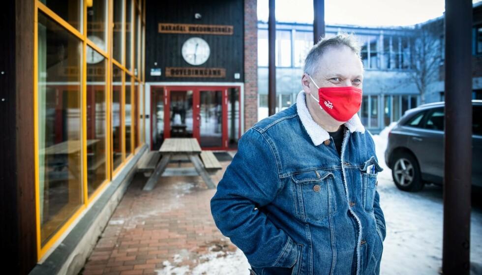 KRITISK: Kommunestyrerepresentant Atle Skift i Rødt Nittedal mener Varingskollen Alpinsenter burde stenges midlertidig etter utbruddet i Hakadal. Foto: Bjørn Langsem