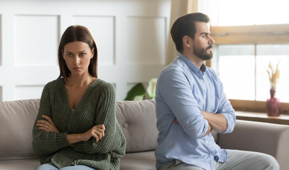TAUSHET: Er du helt taus når partneren snakker til deg? Da stonewaller du. Her får du ekspertenes råd for hvordan dere kan takle en situasjon hvor kommunikasjonen har gått helt i stå i parforholdet. Foto: NTB / Shutterstock