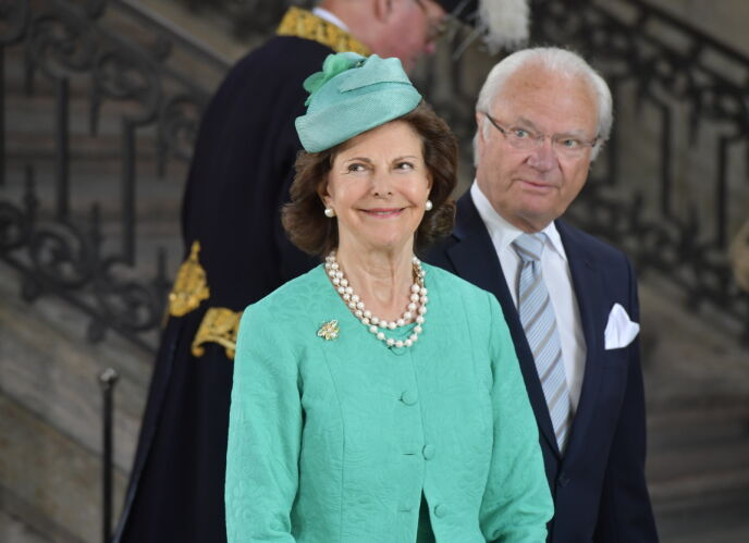 Il lungo viaggio: il re di Svezia con la regina Silvia durante la celebrazione del 40 ° compleanno della principessa Vittoria presso la chiesa del castello di Stoccolma nel 2017. Foto: Sören Andersson / NTB