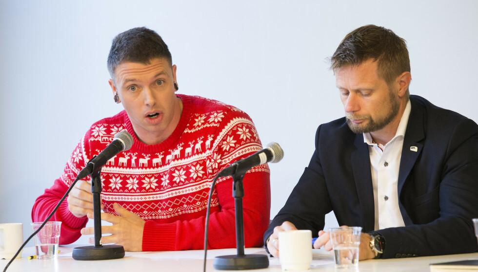 SNUOPERASJONEN: Bent Høie som helseminister i 2016 frontet forslaget inn mot Høyres landsmøte som førte til at partiet snudde. Her med Kenneth Arctander Johansen, som Høie trekker fram som en av de viktigste personene bak endringen. Foto: Terje Bendiksby / NTB