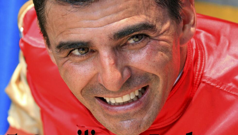 SEX OG GAMBLING: Jockeyen Eurico Rosa Da Silva var kjent for det perfekte smilet og den store suksessen på banen. Nå slår idyllen alvorlig sprekker. Foto: Sports Illustrated