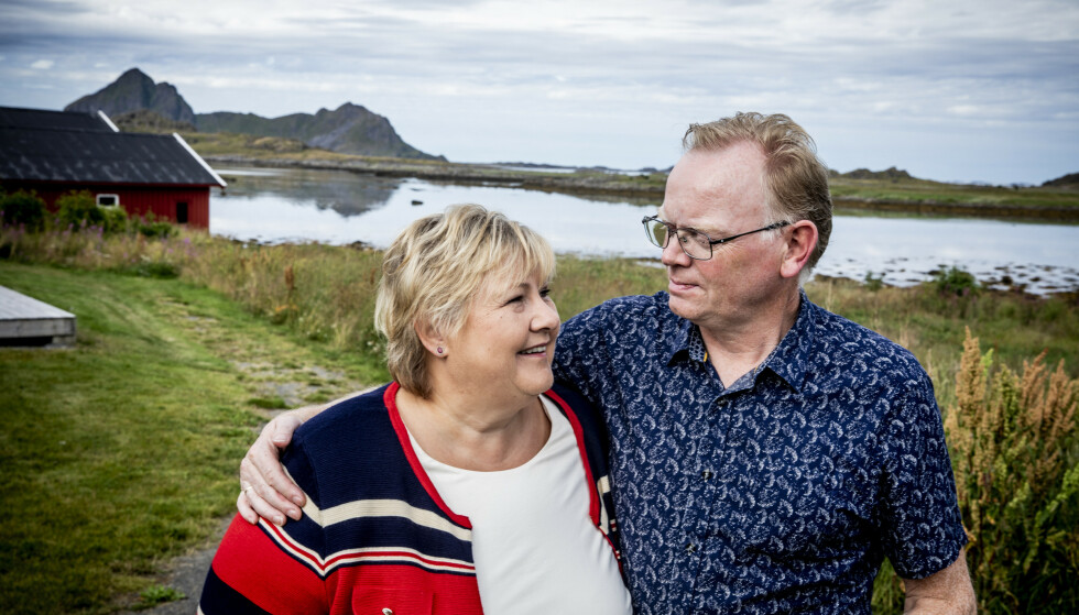SØLVBRYLLUP: Erna Solberg og Sindre Finnes giftet seg 29. februar 1996, men utsetter sølvbryllupsfeiringen på grunn av pandemien. Her på besøk i Nordland i 2020. Foto: Christian Roth Christensen / Dagbladet