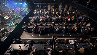 NÅ BLIR DET SLIK: Nå kan det være inntil 100 personer innendørs der publikum sitter på faste, tilviste sitteplasser. Foto: Heiko Junge / NTB