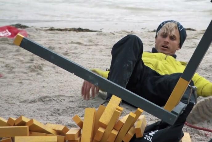 RASTE SAMMEN: For Victor Sotberg bød utslagskonkurransen på utfordringer. Foto: TVNorge