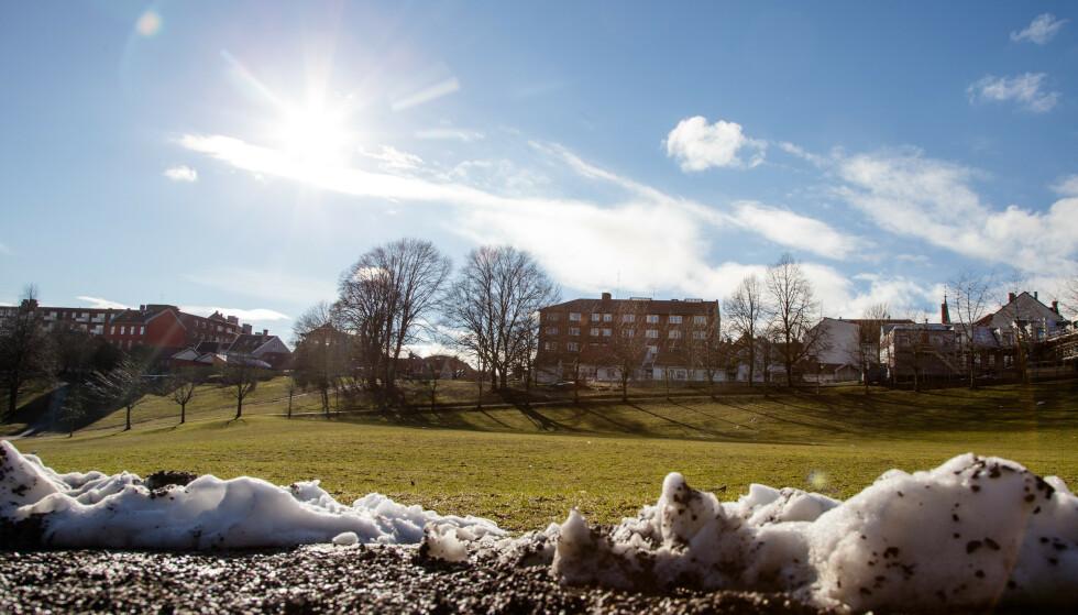 VÆRET: Det ligger an til solfylt vårstemning i Oslo og resten av Østlandet mot slutten av vinterferien. Illustrasjonsfoto: Audun Braastad / NTB