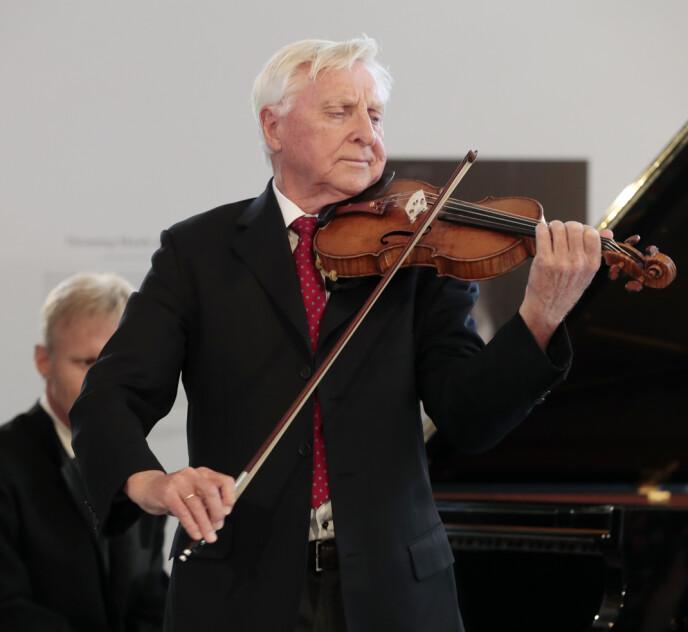 FOLKEKJÆR: Arve Tellefsen har vunnet flere priser opp gjennom åra. Her er han avbildet i 2017. Foto: Lise Åserud / NTB