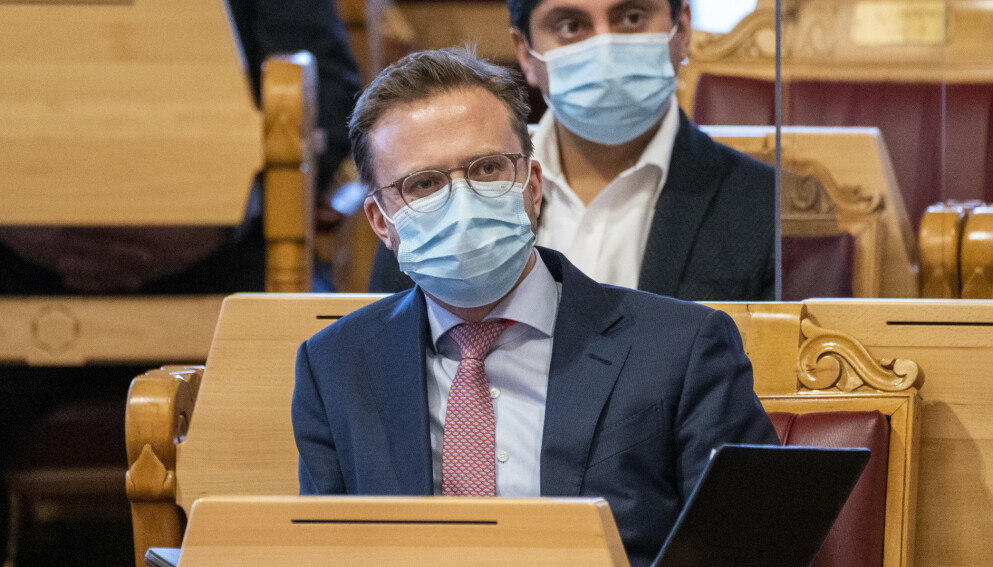 LETER: Kommunal- og moderniseringsminister Nikolai Astrup vil finne landets mest attraktive by. Foto: Terje Pedersen / NTB