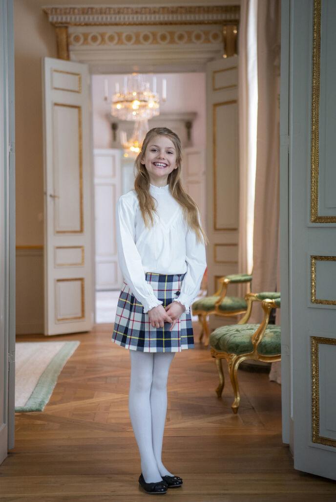 BREDT SMIL: Prinsesse Estelle har vokst seg stor, synes Se og Hørs kongehusekspert. Foto: Kate Gabor / Det svenske hoffet