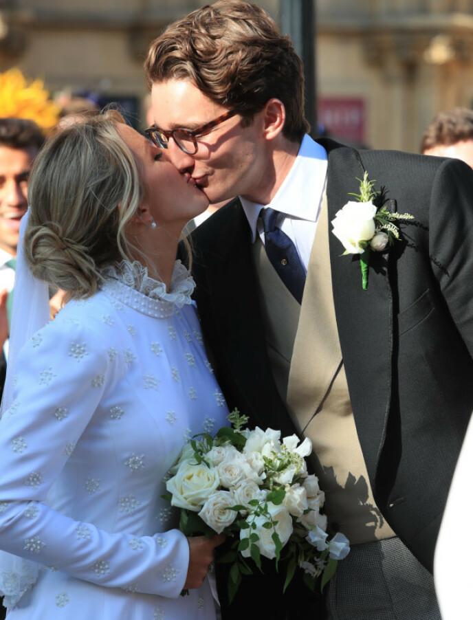 Ektemann og kone: Ellie Golding og Caspar Jobling ga sitt ja til hverandre foran mange kjendiser. Foto: NTP Scanfix